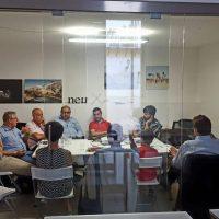 neu [nòi] - sala riunioni business